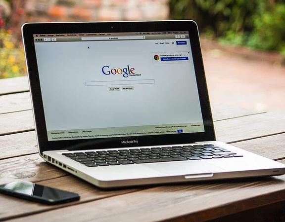 Comment améliorer son site avec une agence digitale